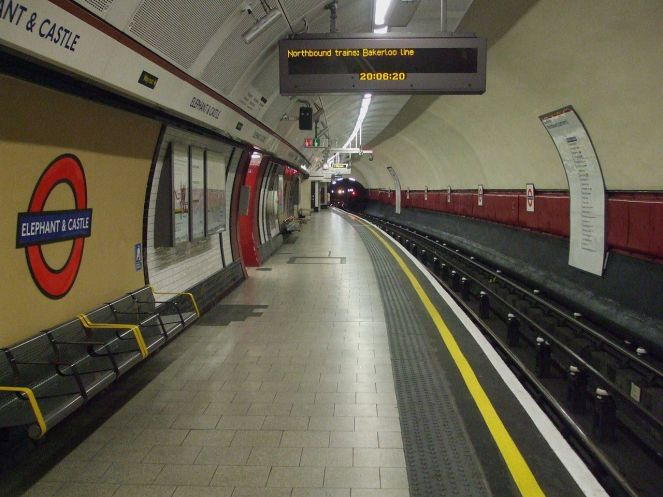 1280px-elephant__castle_tube_stn_bakerloo_west_look_south